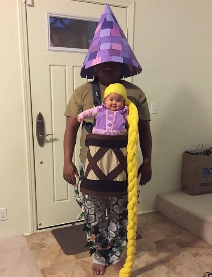 Disfraces para Halloween para padres con mochilas portabebés